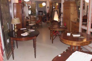 An- und Verkauf antiker Möbel und Antiquitäten