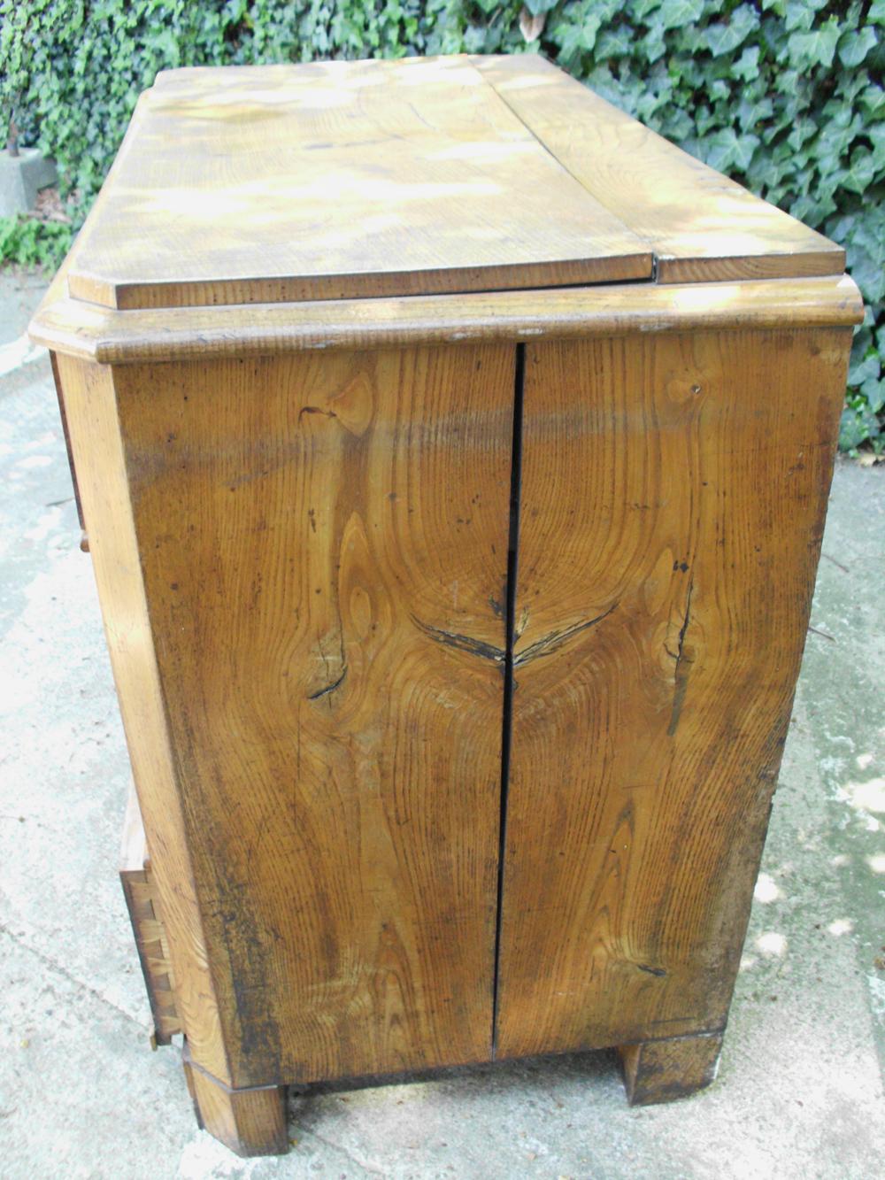 Tischlerei-Werkstatt für Restauration/ Aufbereitung antiker Möbel ...