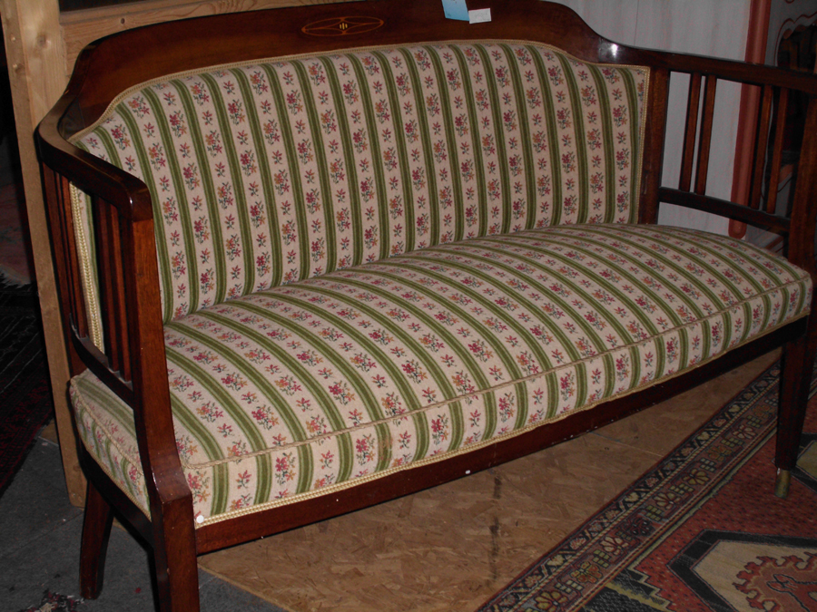 Antike st hle sessel sofas und mehr amgz antik for Sofa jugendstil