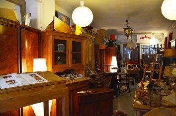 Amgz Antik Zeitlosmöbel Aufarbeitungswerkstatt In Hamburg